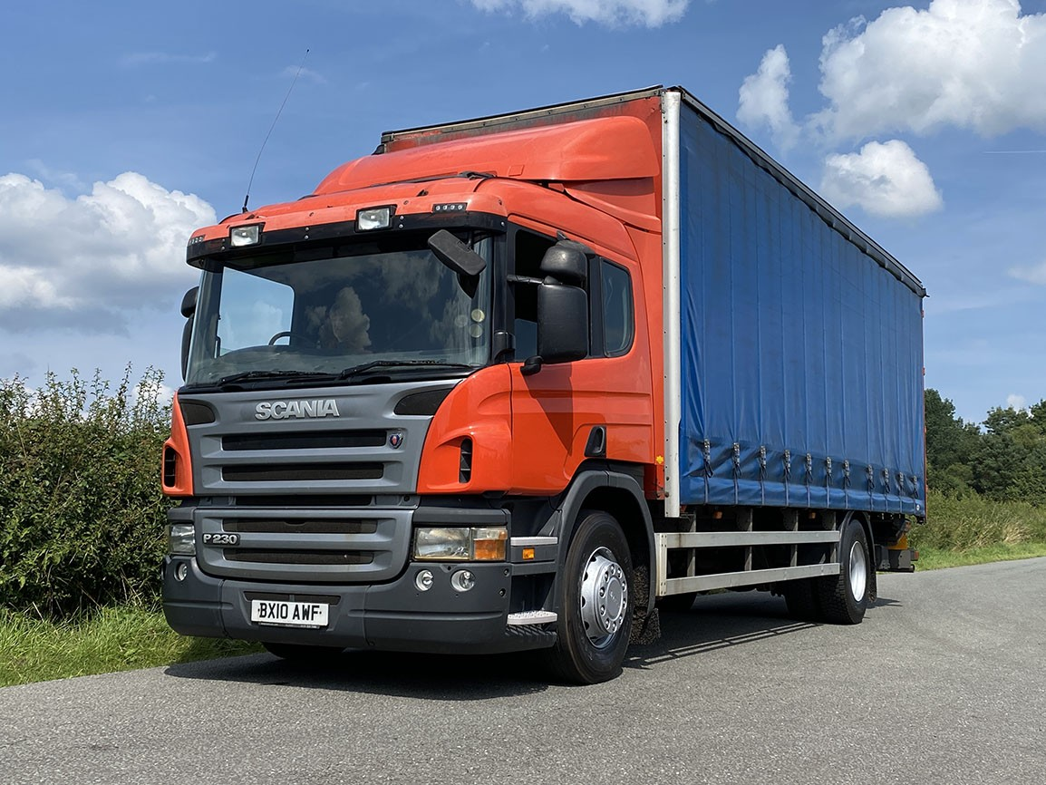 Scania P230 4 X 2 Curtainsider With Tail Lift