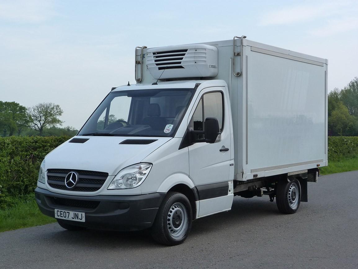 Mercedes benz sprinter fridge van rigids used trucks for Mercedes benz used vans
