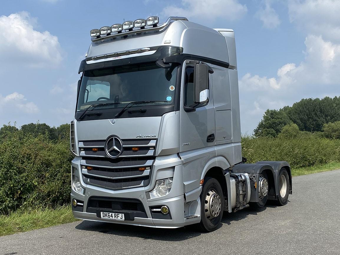 Mercedes Benz Actros 2551 6 X 2 Tractor Unit