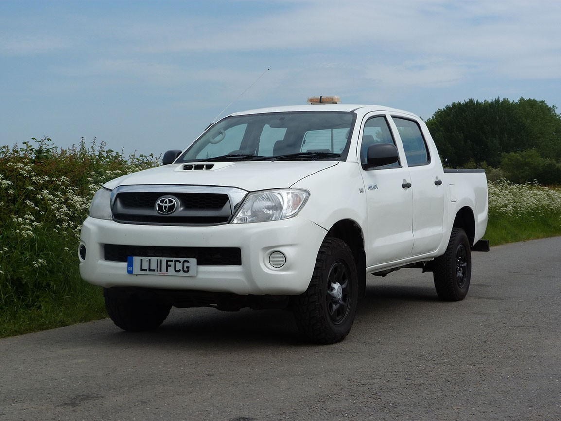 Toyota Hi Lux HL 2 4 X 4 Double Cab Pickup
