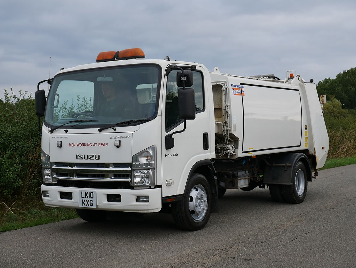 Isuzu NPR N75 190 4 X 2 Refuse Truck