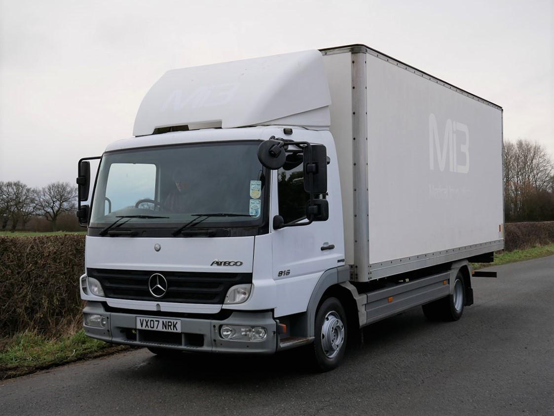 Mercedes Benz 816 4 X 2 Box Van