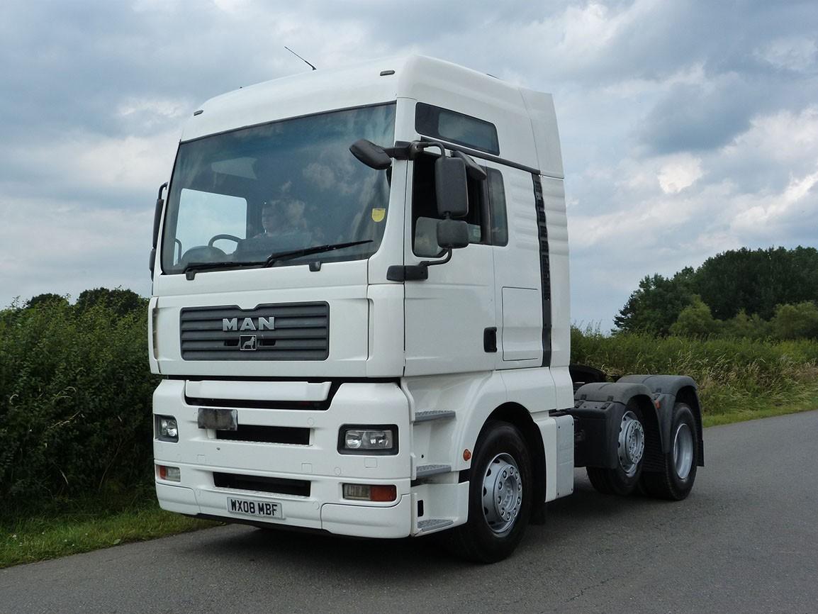 MAN TGA 440 XXL 6 X 2 Tractor Unit