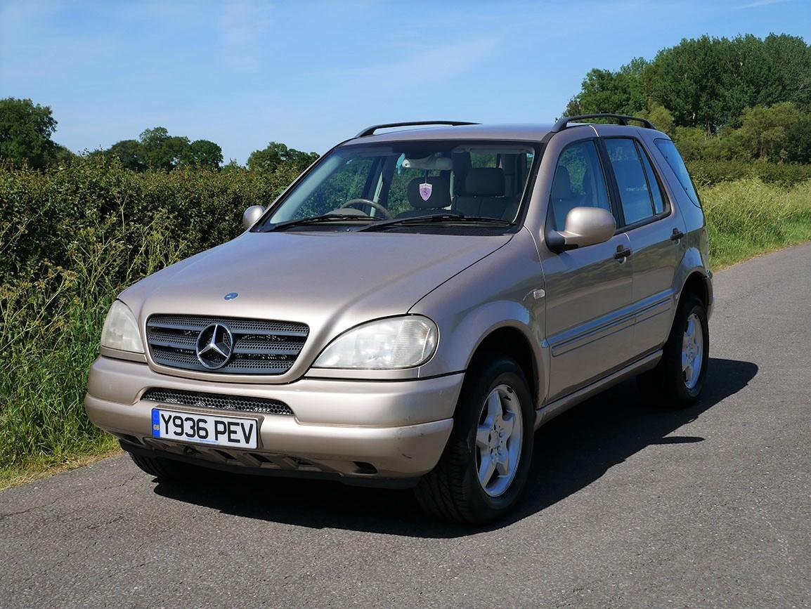 Mercedes Benz ML 320 4 X 4 SUV