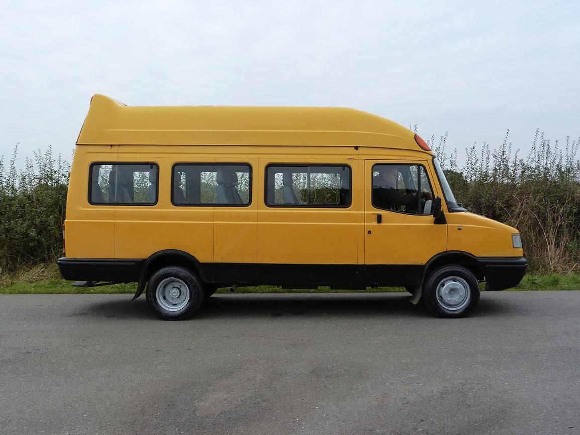 LDV Convoy 17 Seat Mini Bus