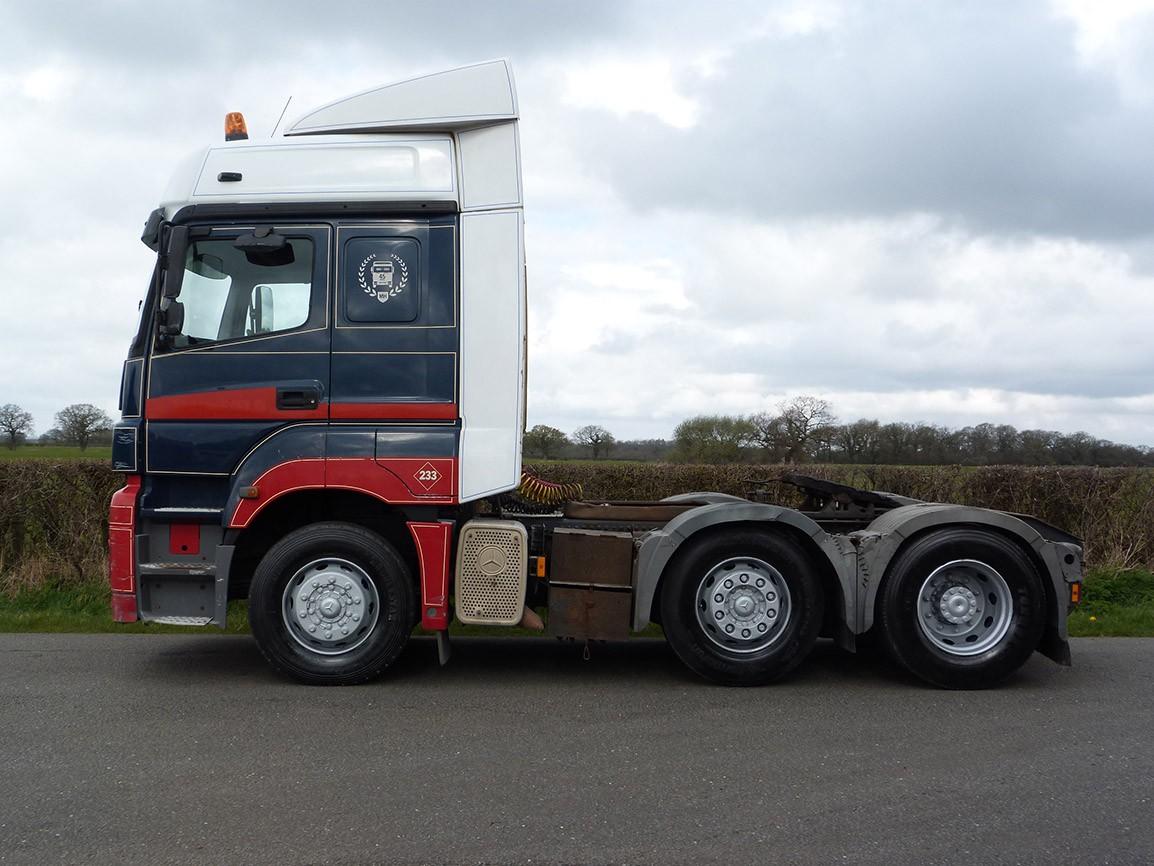 Mercedes benz axor 6 x 2 tractor unit mercedes benz for Mercedes benz manufacturing